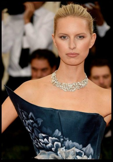 Karolína Kurková in Marchesa and a 55 carat Harry Winston diamond necklace at the 2014 Met Gala.