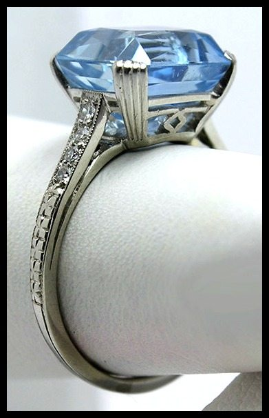 Side detail - Art Deco aquamarine and diamond ring by Raymond Yard.