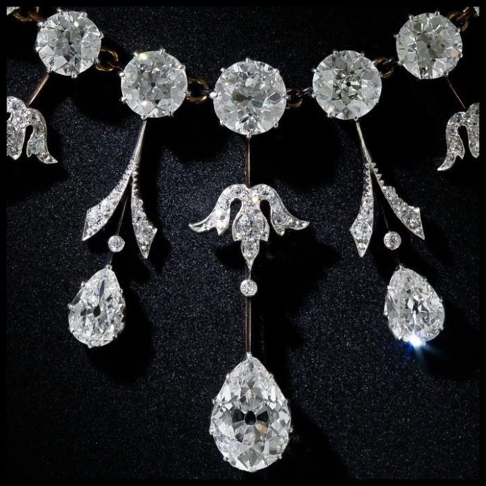 Fringe detail view of a glorious 35 carat antique Edwardian diamond necklace at Lang Antiques. Circa 1900.
