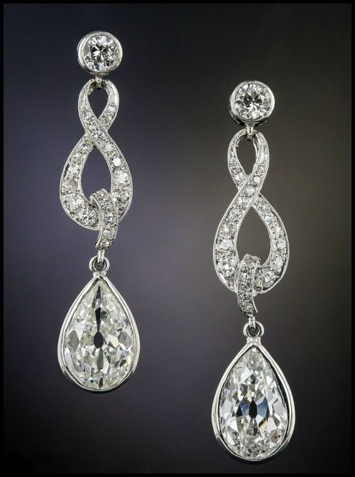 The antique diamond earrings I wore at my wedding! These beauties are circa 1915, 3.35 carats of diamonds in platinum, and are available at Lang Antiques.