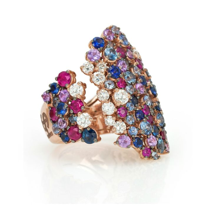 A fabulous cocktail ring from the Stefan Hafner Pegaso collection. Diamonds and gemstones in rose gold.