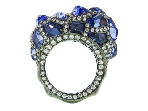 Arunashi ring in black rhodium with 8.66cts of tanzanite and 2.97cts of diamonds.