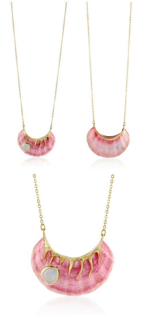 Shagreen Et Tortoise pink delight sautoir necklace in seashell with aquamarine and 22k gold.