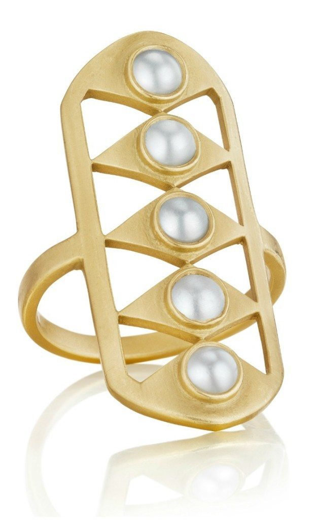 The Doryn Wallach Gladiator ring in gold with creamy white pearls.