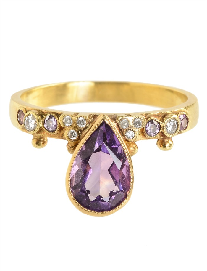 An extraordinary amethyst and diamond ring from Unhada jewelry's Diadem collection
