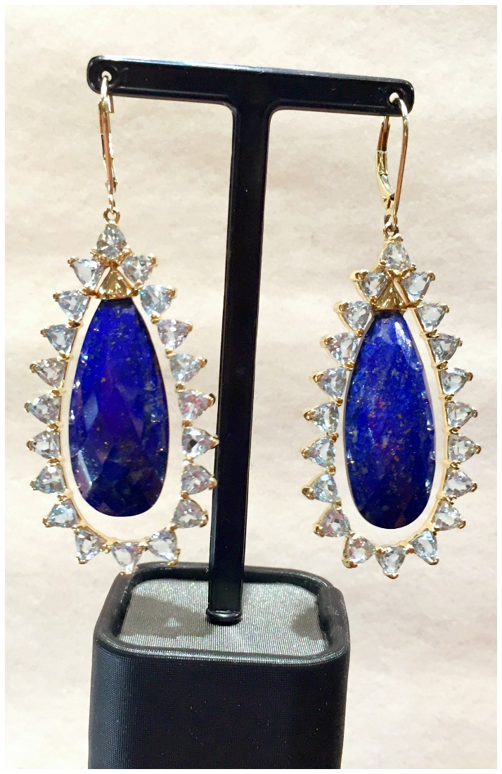 Beautiful earrings by Arya Esha.