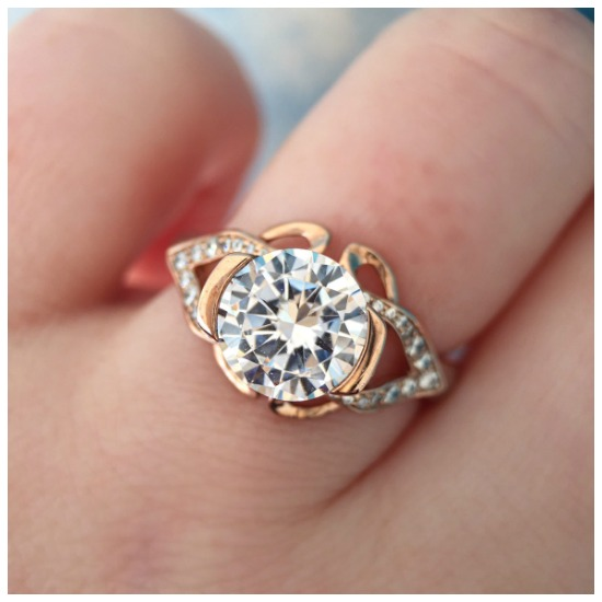 The lovely Paisley engagement ring by MaeVona.