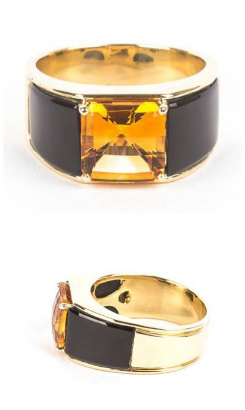 A beautiful pre-loved Michael Bondanza ring in 18K yellow gold with citrine and onyx.