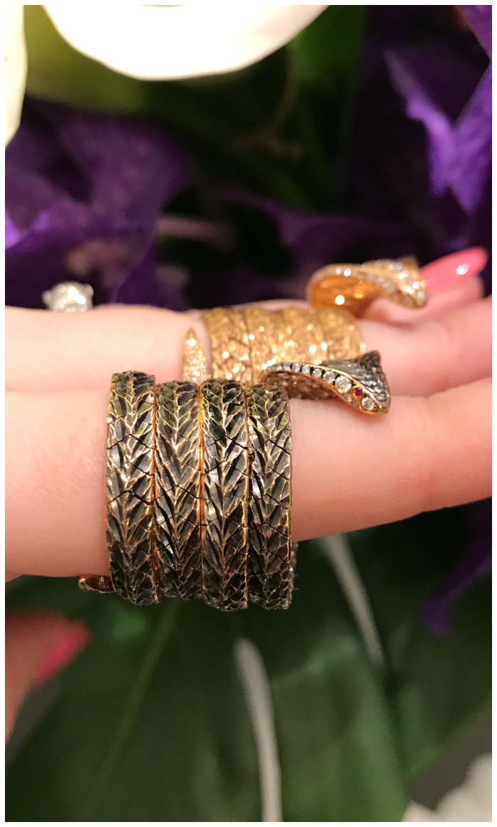 These incredible cobra rings from Arunashi are fully articulated - you can twist them around and wear them in any way you can think of.