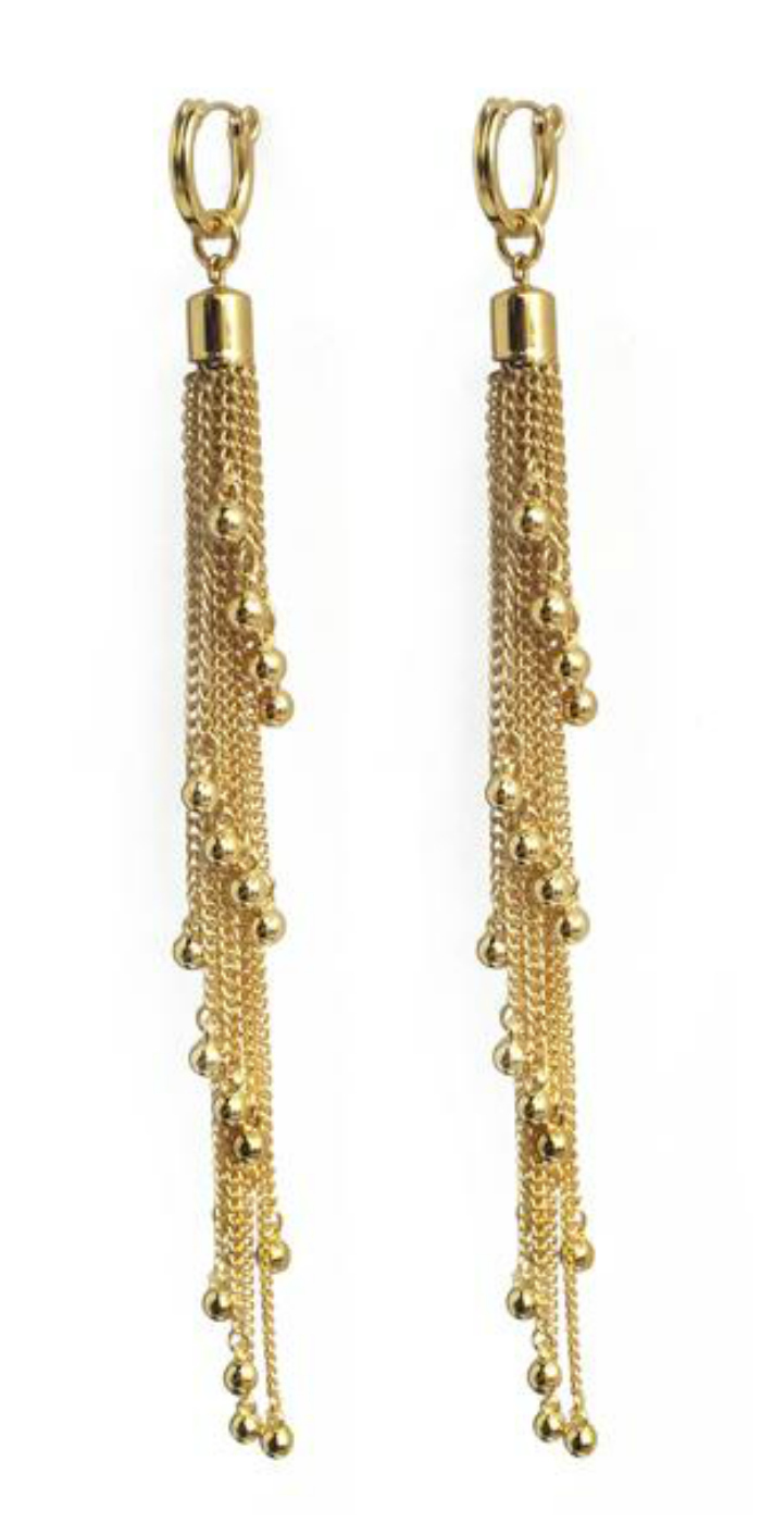 I love these cascade gold tassel earrings from Lady Grey jewelry! So good for the holiday season.