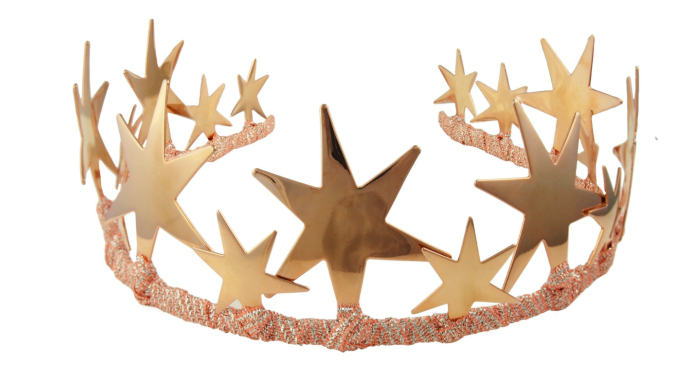 I love this rose gold tiara from JY Jewels! It's called the Alexandra, and I love its bold, beautiful stars.