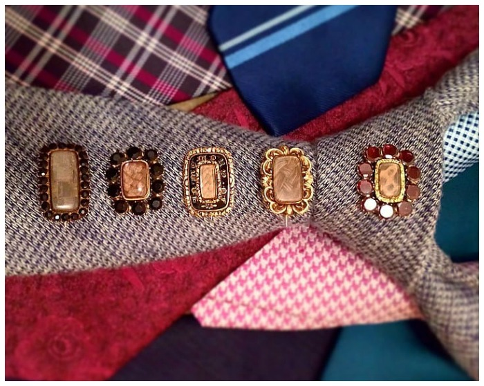 Jewelry Instagrammer LeMarquisdeMahieu displaying some of his incredible Georgian mourning brooch collection!