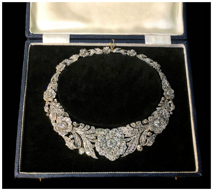An utterly incredible antique diamond flower necklace!!! Spotted at Spicer Warin.