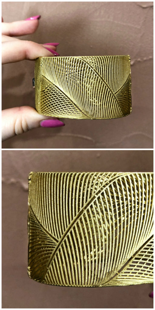 I love the design of this gold cuff bracelet by Luisa Rosas! This brand's jewelry is inspired by nature.