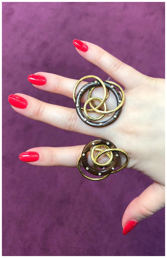 I love these rings! They're from Vendorafa's new collection, which uses wood alongside gold.