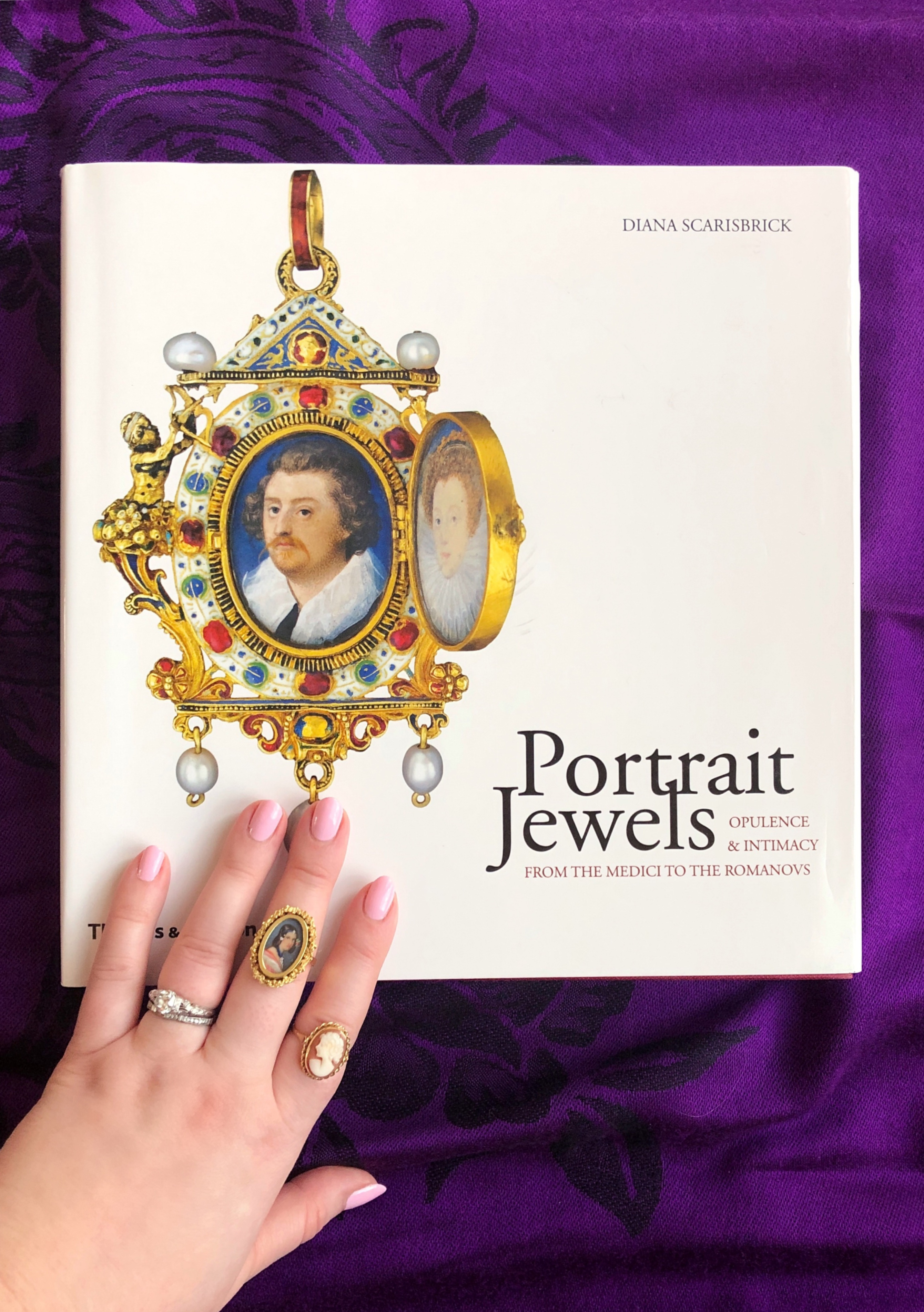 The #IGJewelryBooks hashtag is dedicated to jewelry lovers sharing great jewelry books they've read! This is Portrait Jewels by Diana Scarisbrick, one of my recs.