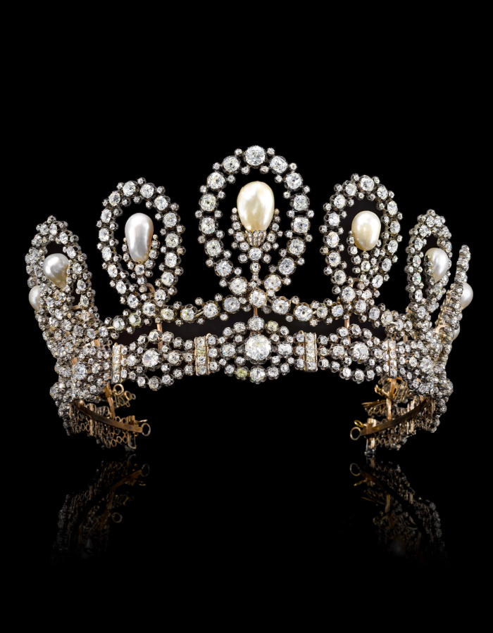 A magnificent and historic royal tiara. Natural pearls and diamonds! Via Sotheby's.