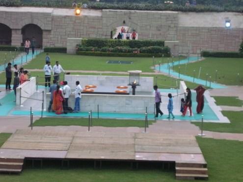 gandhis-monument