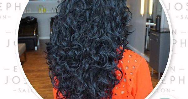 How to Prevent Frizz in Type 2c Wavy Hair  NaturallyCurlycom