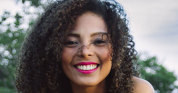 Curly Hairstyles For Round Faces Naturallycurly Com