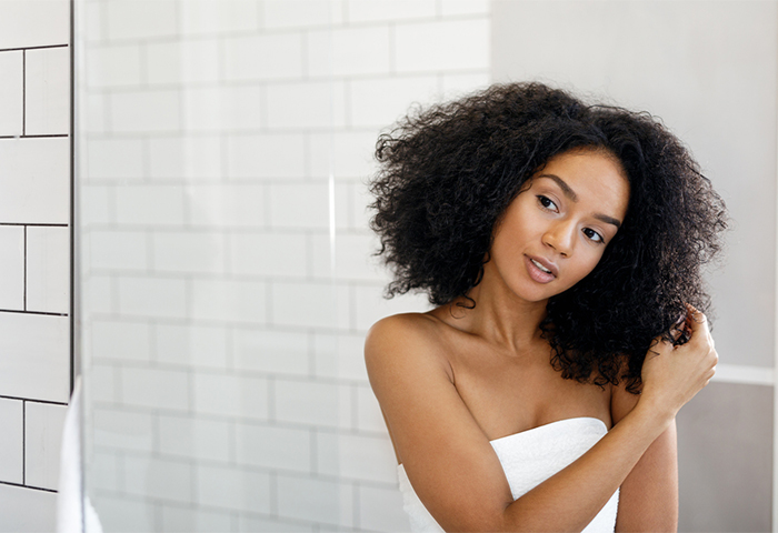 5 Wash Day Mistakes That Make Your Hair Dry Naturallycurly Com