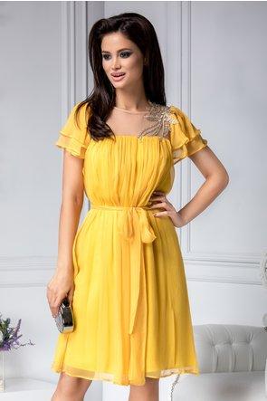 De ce adoră femeile rochiile elegante?