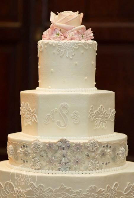 lace inspired wedding cake (2)