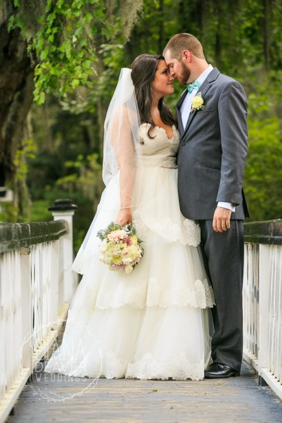 weding day portrait at magnolia plantation by charleston sc wedding photographer Diana Deaver (27)