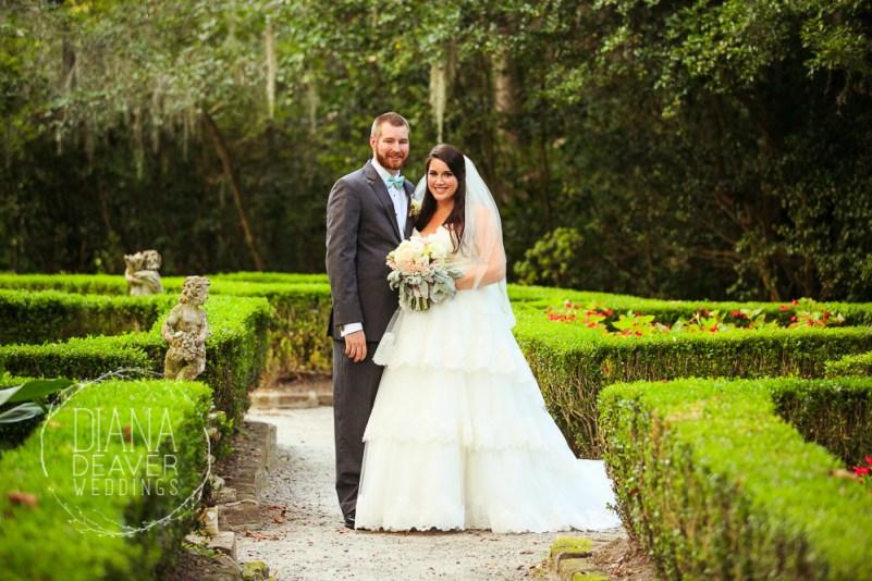 weding day portrait at magnolia plantation by charleston sc wedding photographer Diana Deaver (28)