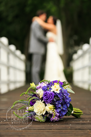 bride and groom photos examples at the creek club in ion (9)