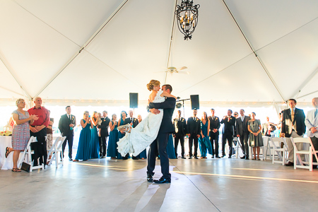 wedding ceremony and reception at the island house charleston sc