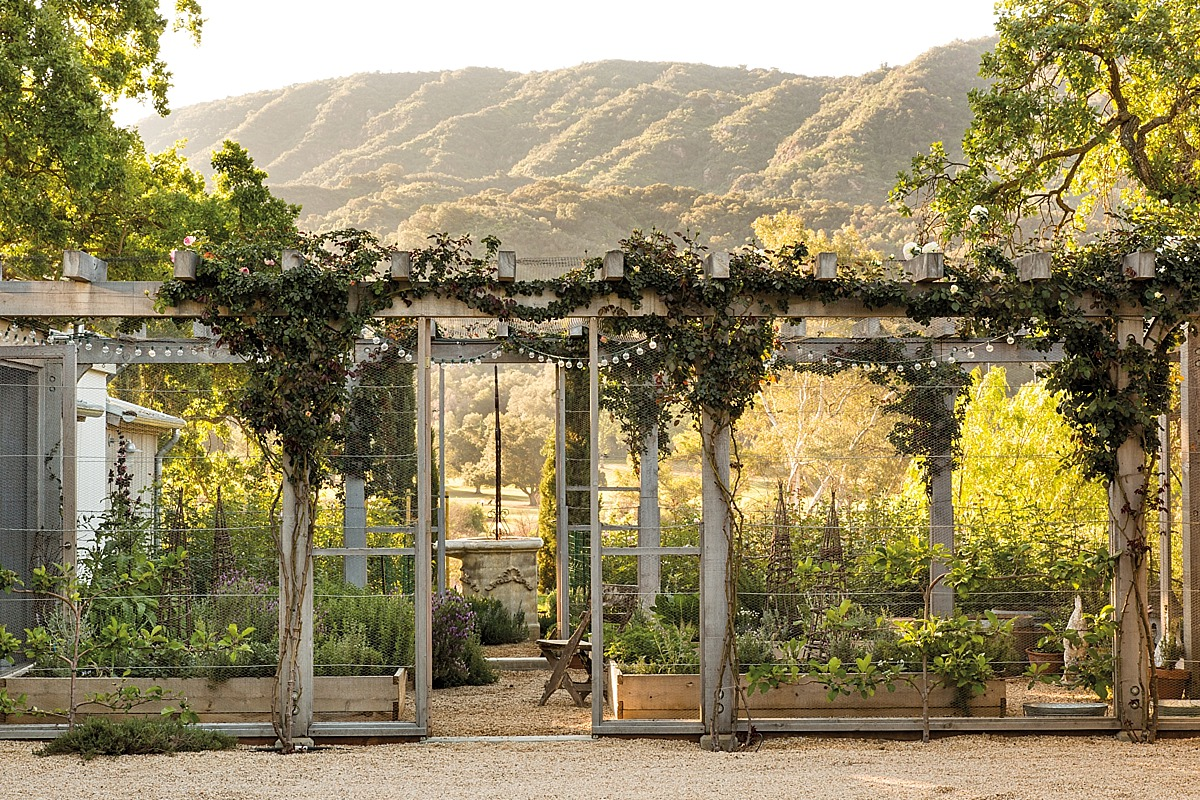 The garden at Patina Farm, the homse of Brooke & Steve Giannetti, in ...