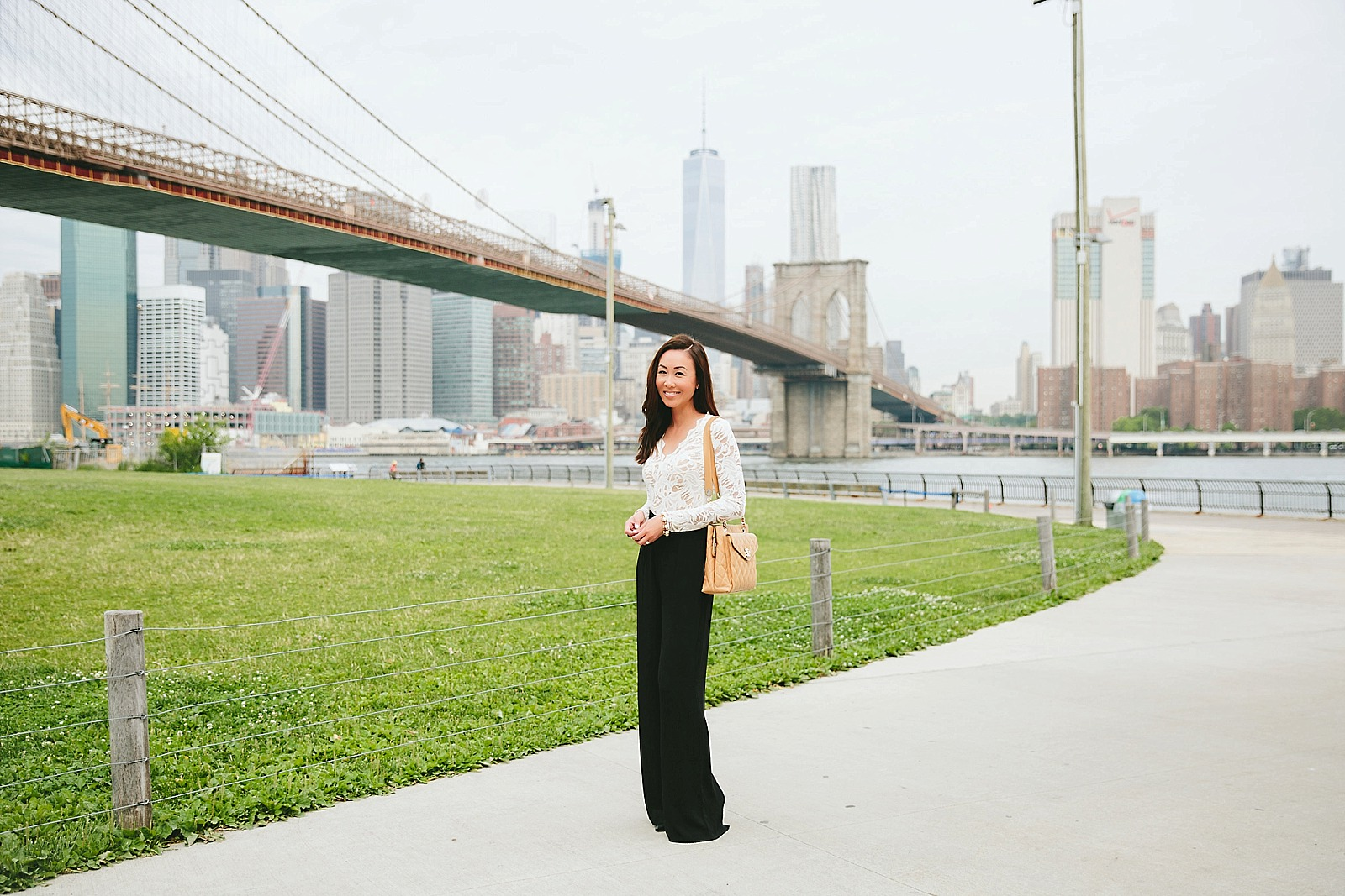 lace bodysuit black high waisted pants brooklyn bridge new york / diana elizabeth / lifestyle blogger www.dianaelizabethblog.com