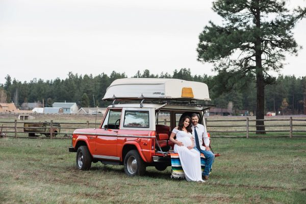 Vintage Bronco + Barn Ruins - Flagstaff Maternity