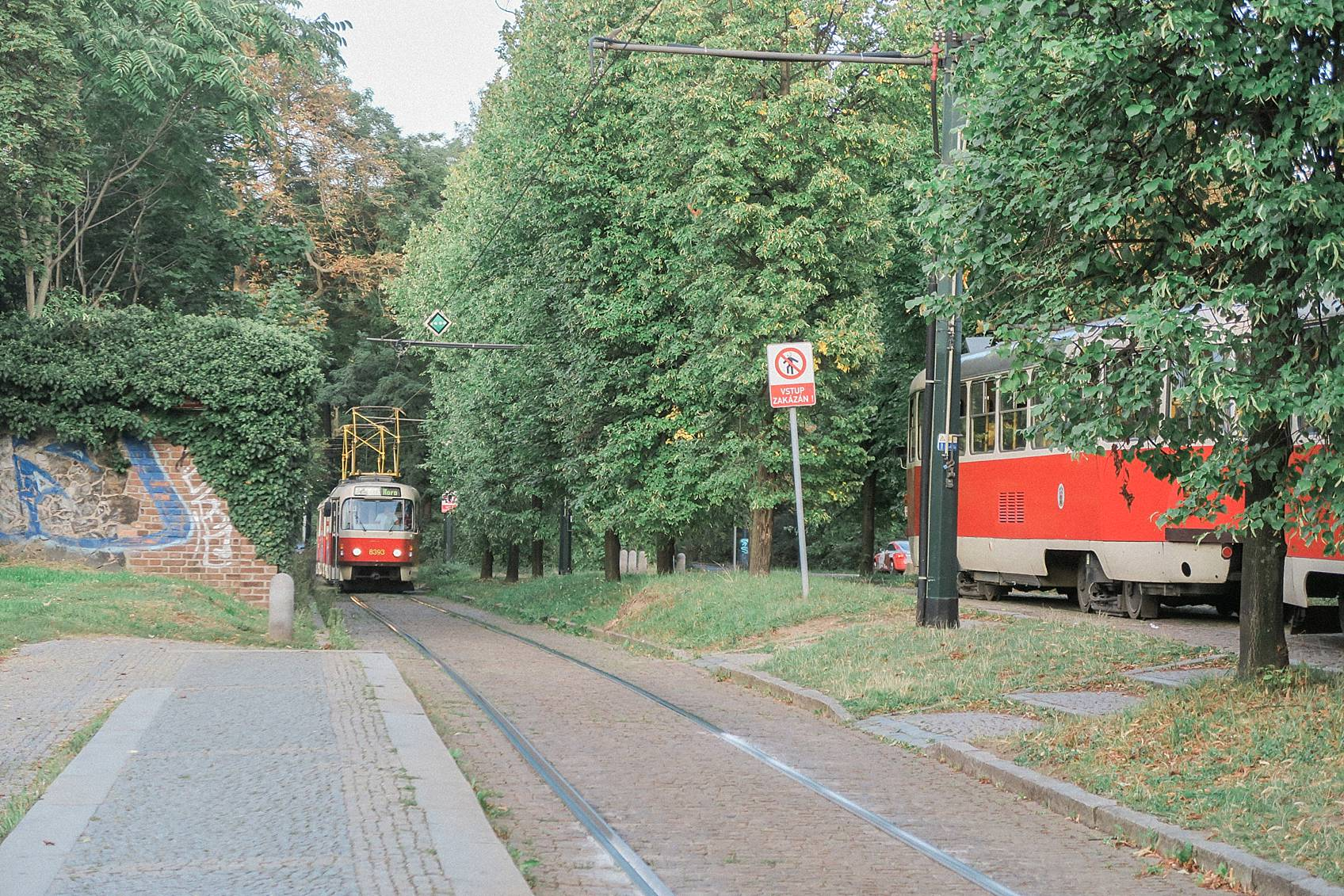 Photo guide to Prague: taking the bus