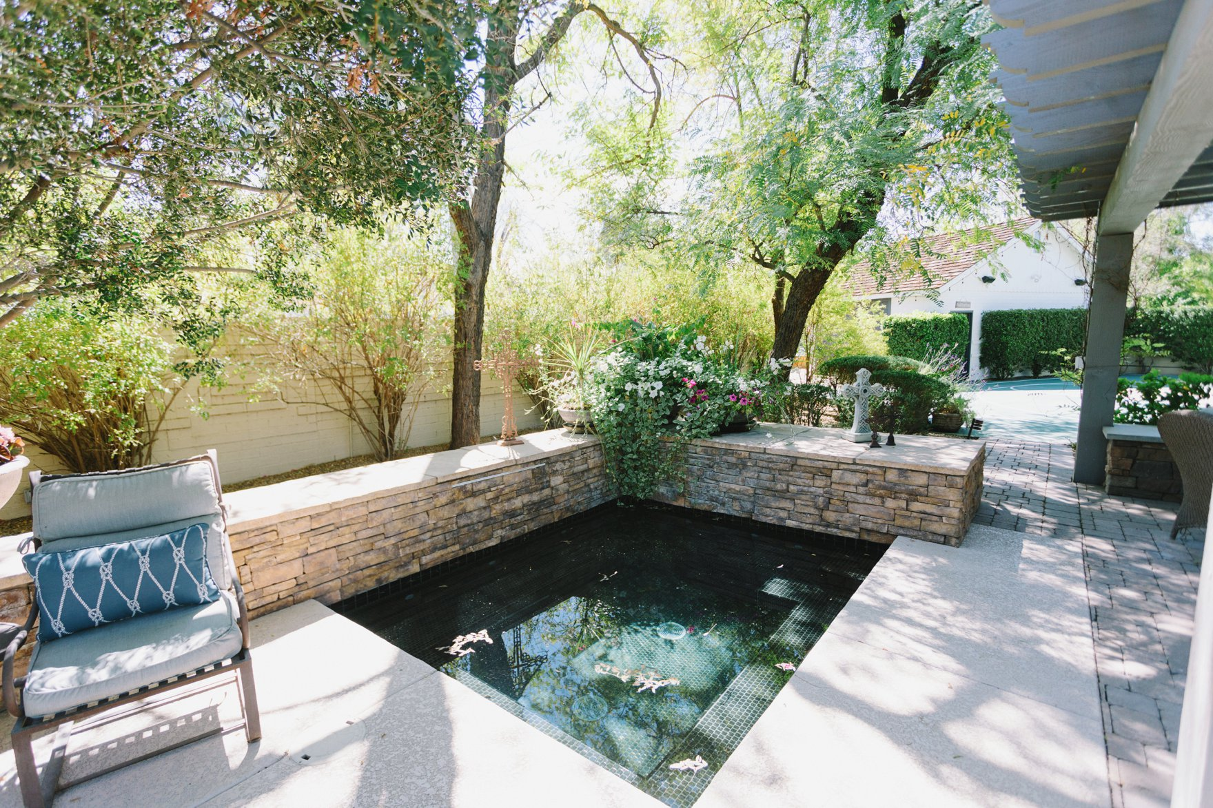 Central Phoenix arizona house tour To Have to Host Lory Parson backyard hot tub
