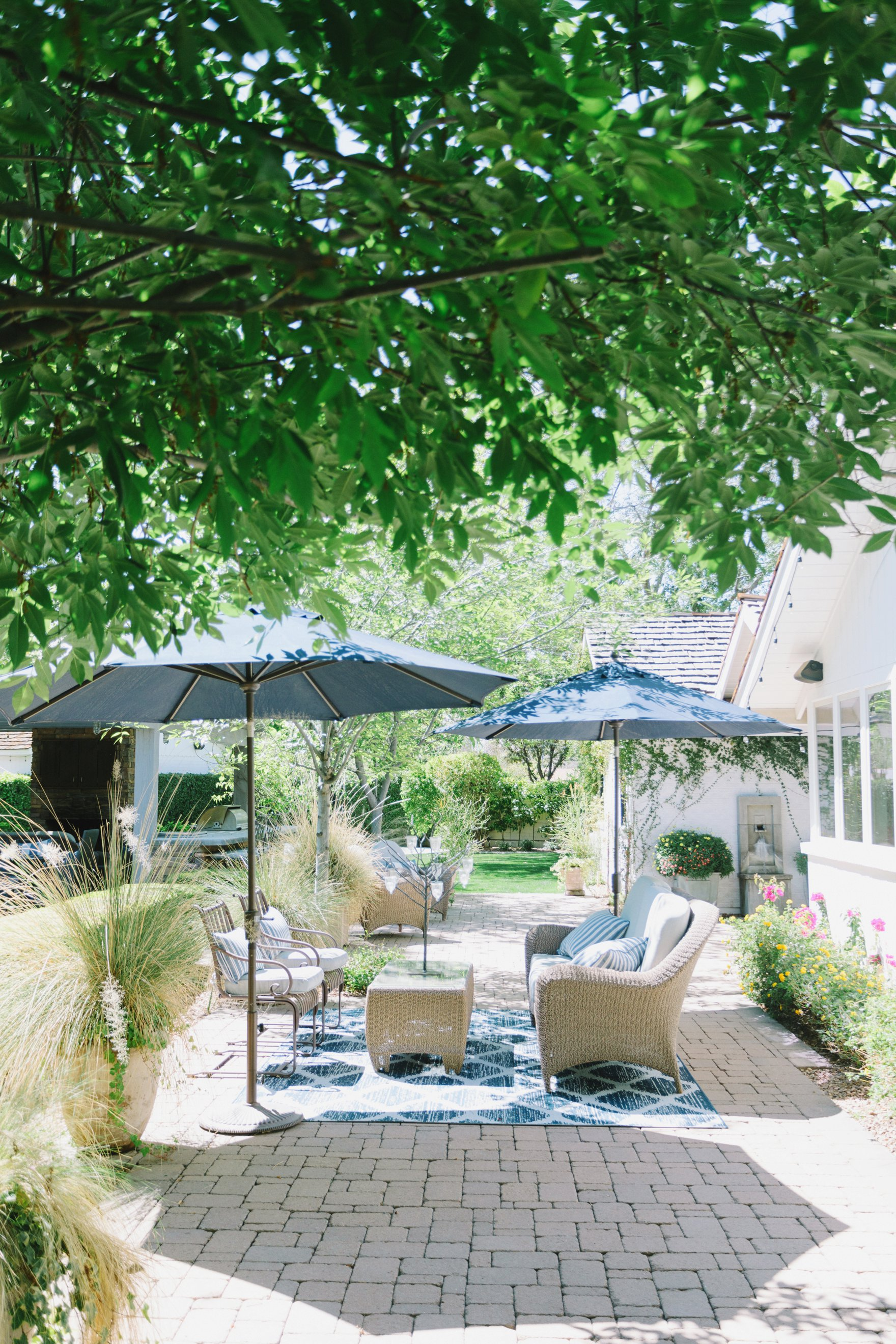 Central Phoenix arizona house tour To Have to Host Lory Parson backyard