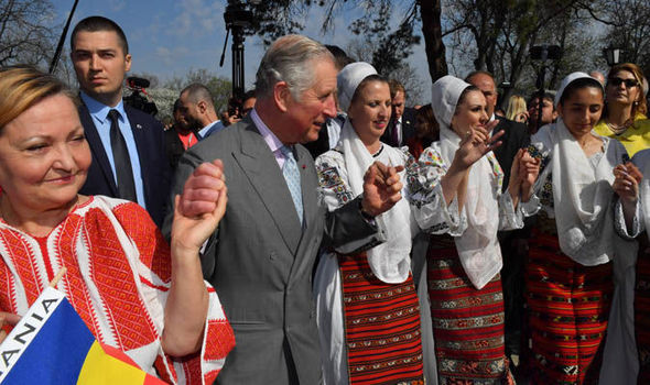 Prince Charles showed his moves with a group of Romanian ladies Photo (C) GETTY