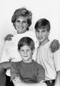 Princess Diana and Princes William and Harry Photo (C) GETTY IMAGES
