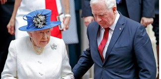 Governor General David Johnston forced to explain why he broke protocol with the Queen Photo (C) GETTY