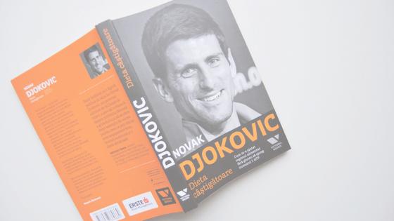 Djokovic și un ceainic mare cu ghimbir