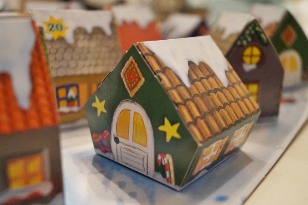 kleines Haus im Adventskalender