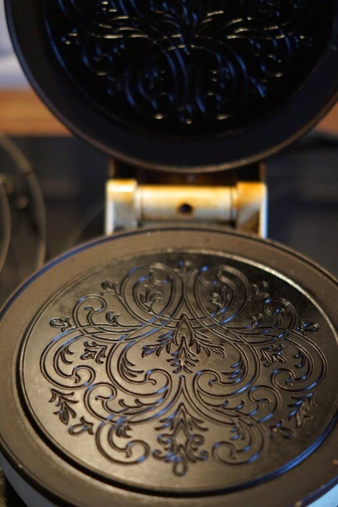 Krüllkucheneisen mit hübschem Muster