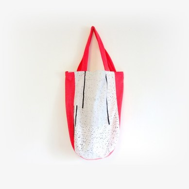 loppist.com/products/aiwei/new-tote-white--red