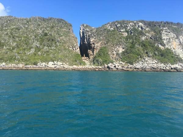 Fenda de Nossa Senhora em Arraial do Cabo