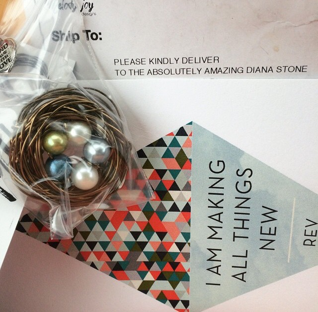 Small Offerings of Thanks with a Nest Necklace Giveaway