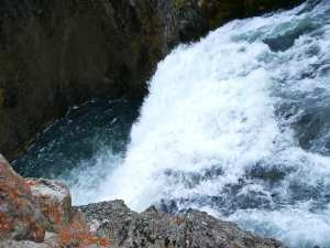 natures-wonders-waterfall_2