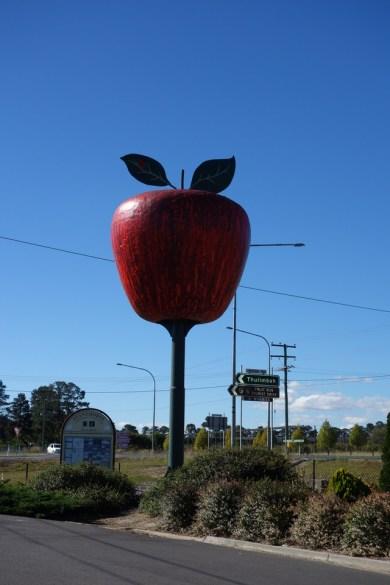 Like Albertans, Australians like their large symbols