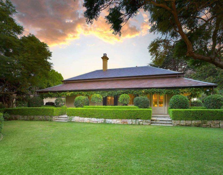 Georgian manor in the heart of Mosman