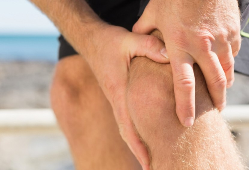 cryo therapy for knee pain (image via cryo.com.au )